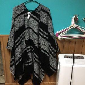 Fringe shawl